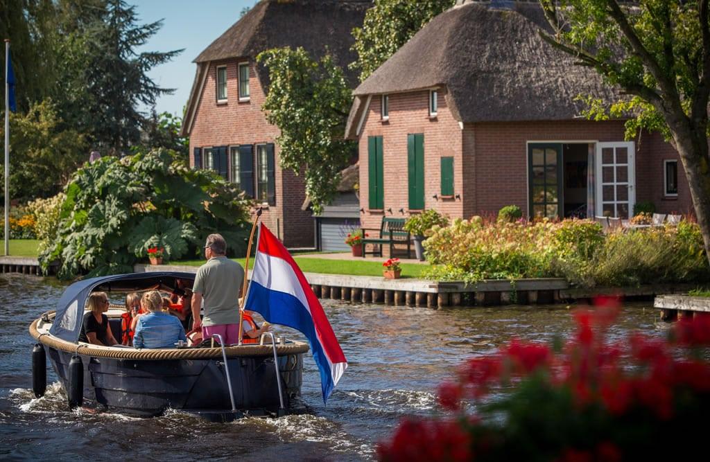 whisperboat Giethoorn