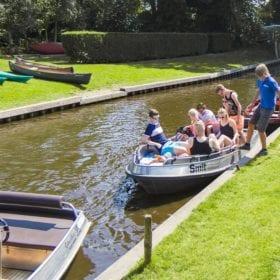 Giethoorn with children