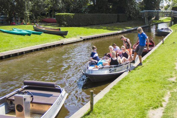 Giethoorn with children